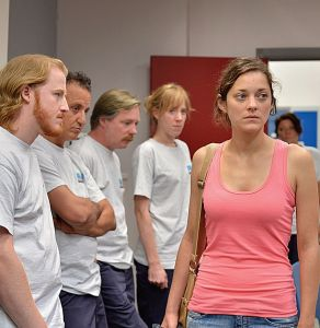 two-days-one-night-stars-marion-cotillard-as-a-factory-worker-trying-to-keep-her-job